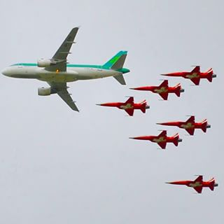 aer lingus and Swiss airforce formation over Bray