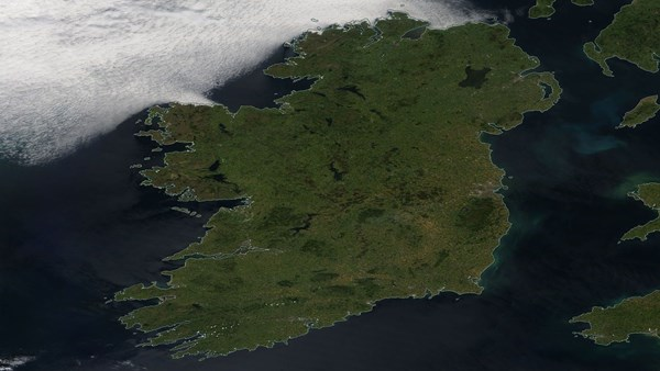 clouds avoid ireland in June 2018